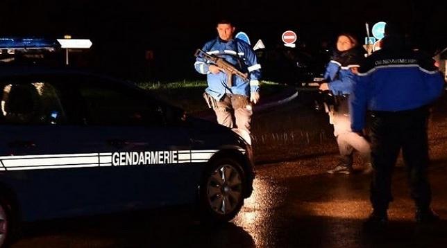 مسلح يقتحم دارا للرهبان في فرنسا ويقتل امرأة مسنة