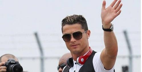 """رونالدو يجمع """"ثروة غير مسبوقة"""" بتاريخ كرة القدم"""