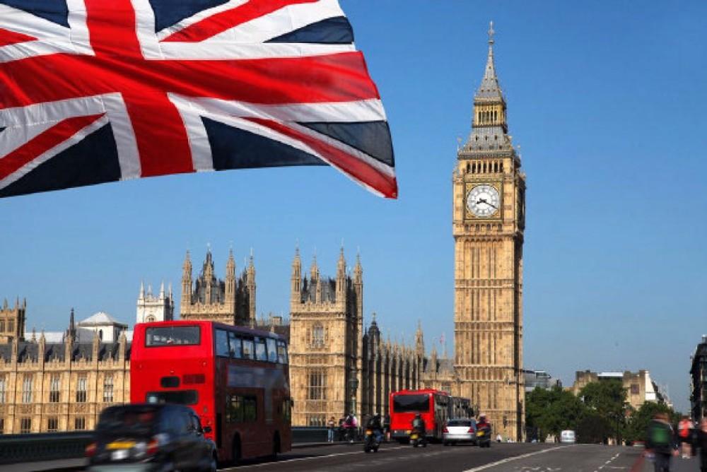 الحكومة البريطانية تتخذ عدة إجراءات لدعم العائلات