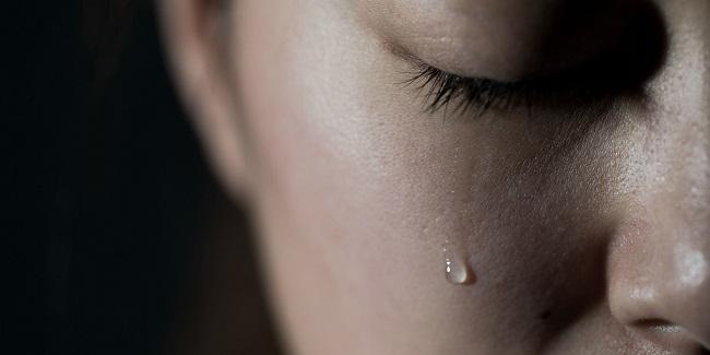 ماهو سبب تقطع الصوت خلال البكاء ؟