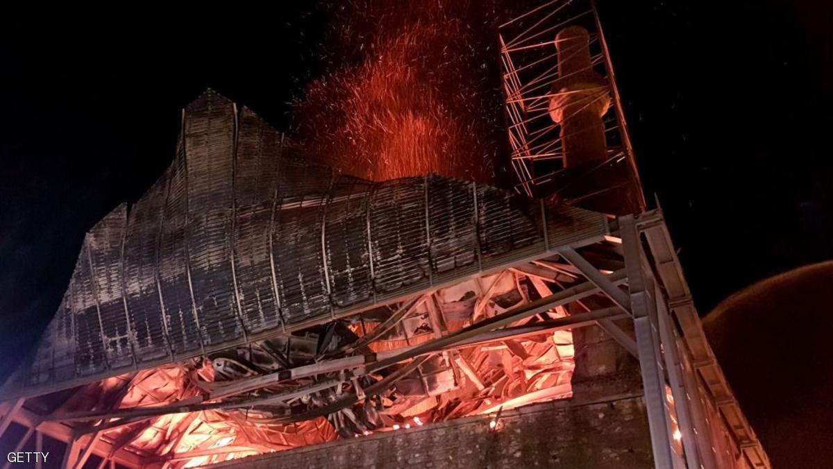 حريق يلحق أضرارا بمسجد أثري في اليونان
