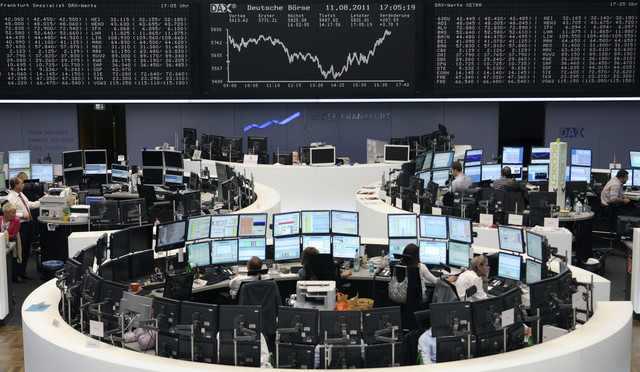 الأسهم الأوروبية تتراجع عن أعلى مستوياتها في 15 شهرا