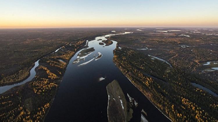 علماء روس : انبعاث رائحة غاز من بحيرات سيبيريا
