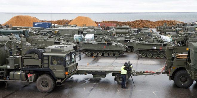 وصول معدات عسكرية بريطانية إلى الحدود الروسية