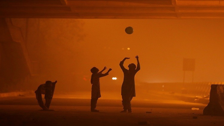 نيودلهي وإسلام آباد أكثر العواصم تلوثا في العالم