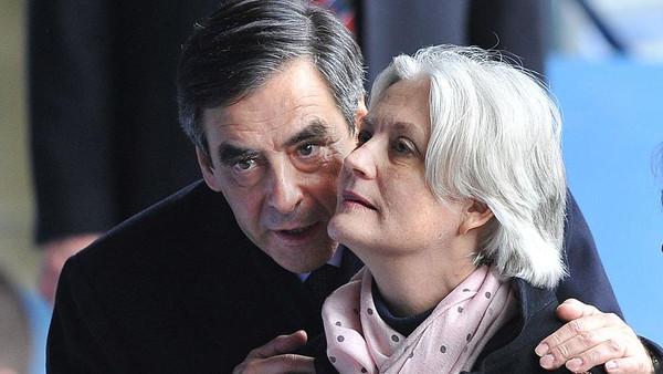 القضاء الفرنسي يوجه تهم فساد إلى زوجة فيون