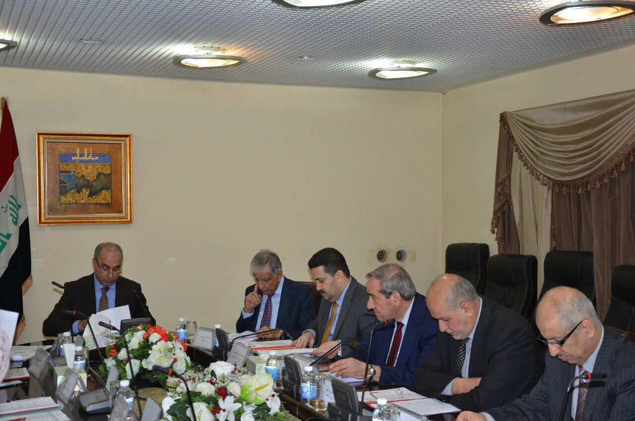 لجنة الشؤون الاقتصادية الوزارية العراقية  تقرر  تأجيل تسديد الفوائد المستحقة  على قروض الشركات والمقاولين