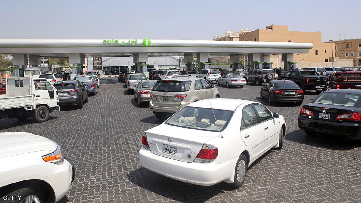 برلمانية كويتية تطالب بإيقاف منح رخص قيادة للوافدين