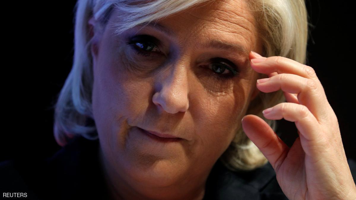 لوبان: البنوك لن تغادر فرنسا إذا تخلت عن اليورو