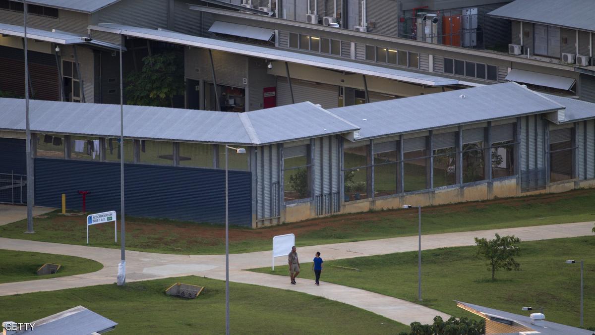 اندلاع أعمال عنف في مركز أسترالي للاجئين