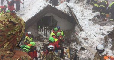 مقتل 4 أشخاص بعد انهيار ثلجي فى كندا