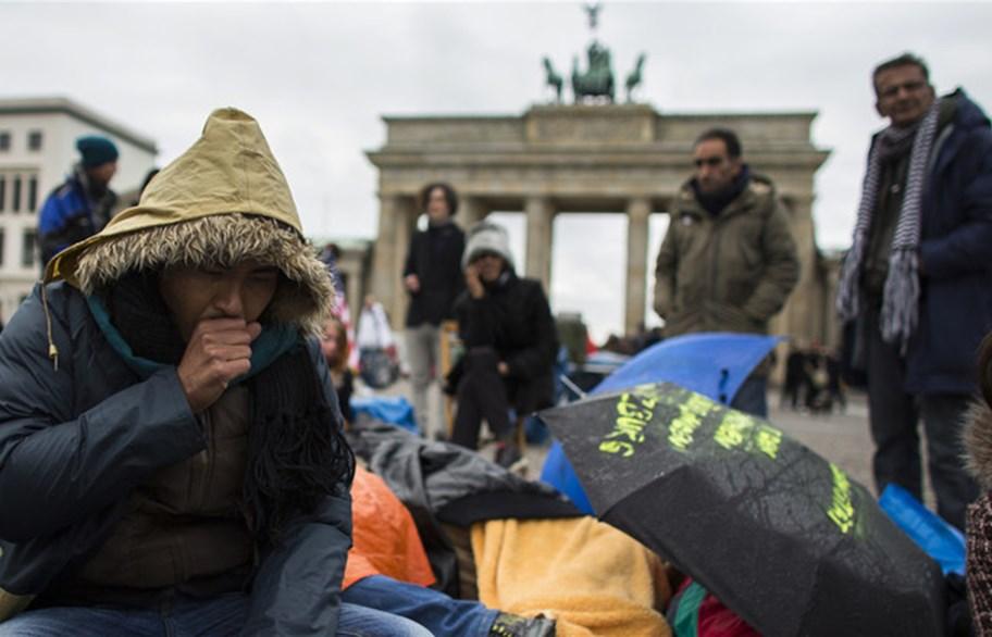 صحيفة:ألمانيا تلم شمل 270 ألف لاجئ سوري بأسرهم