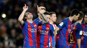 برشلونة تسحق غرناطة برباعية ويواصل لحاقه بالريال