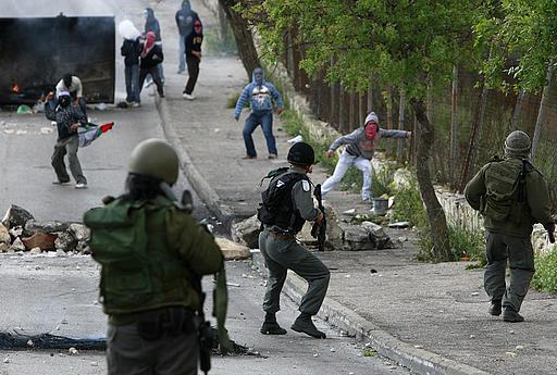 مواجهات في بيت لحم عند قبة راحيل احتجاجا على الخطوات الأمريكية
