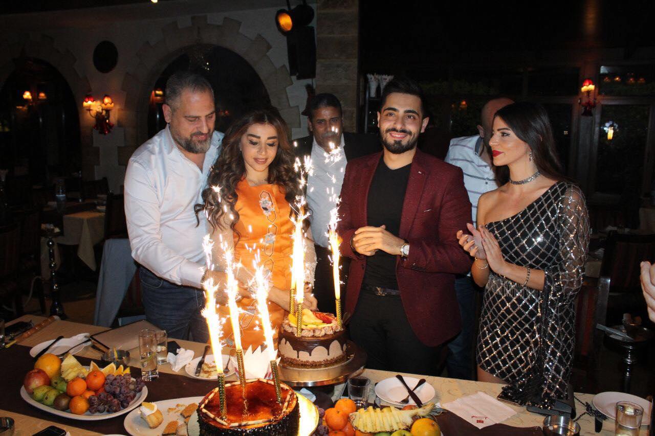 الفنان إياد يحتفل بعيد ميلاده في بيروت