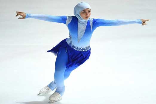 أول محجبة متزلجة فنية على الجليد في العالم