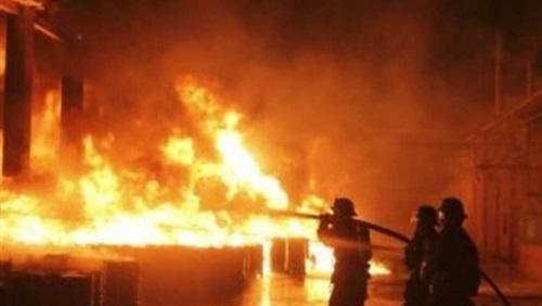 الدفاع المدنى العراقى يخمد حريقا فى منطقة الشعلة