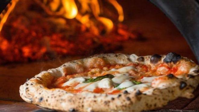 شركة بريزو للبيتزا تحاول إنقاذ نفسها بإغلاق 94 فرعا