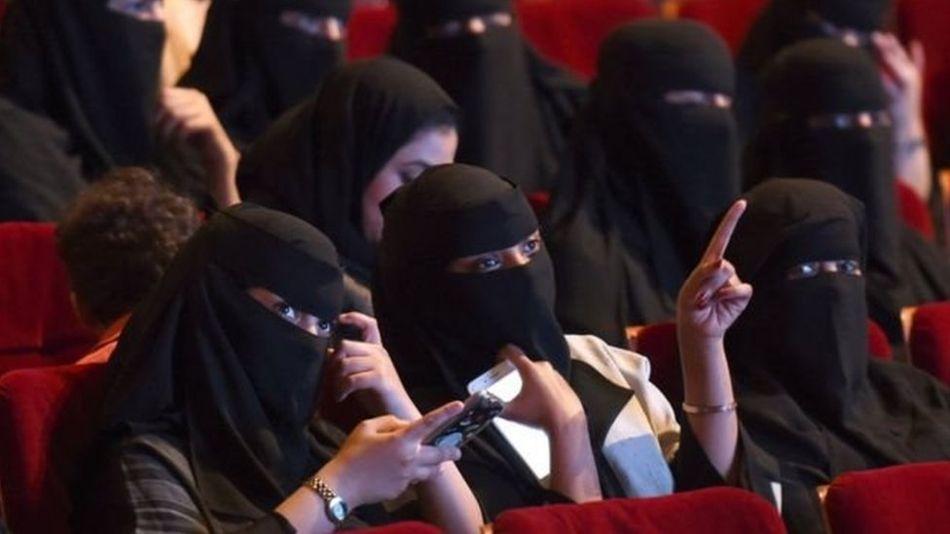 السعودية تقر أول لائحة لتنظيم دور العرض السينمائي
