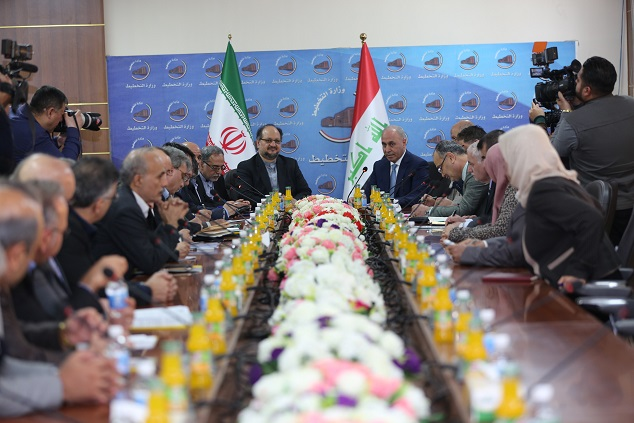 وزير التخطيط والتجارة وكالة العراقي  يبحث مع وزير الصناعة والتجارة الايراني تعزيز وتطوير العلاقات الاقتصادية والتجارية والاستثمارية وزيادة حجم التبادل التجاري بين البلدين