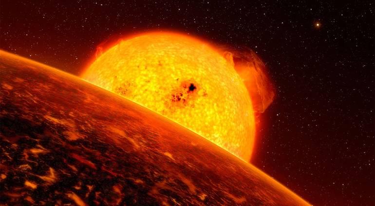 """اتجاه عاصفة شمسية ضخمة نحو """"الارض"""" واحتمالية اصطدامها """"بكوكبنا اليوم"""""""
