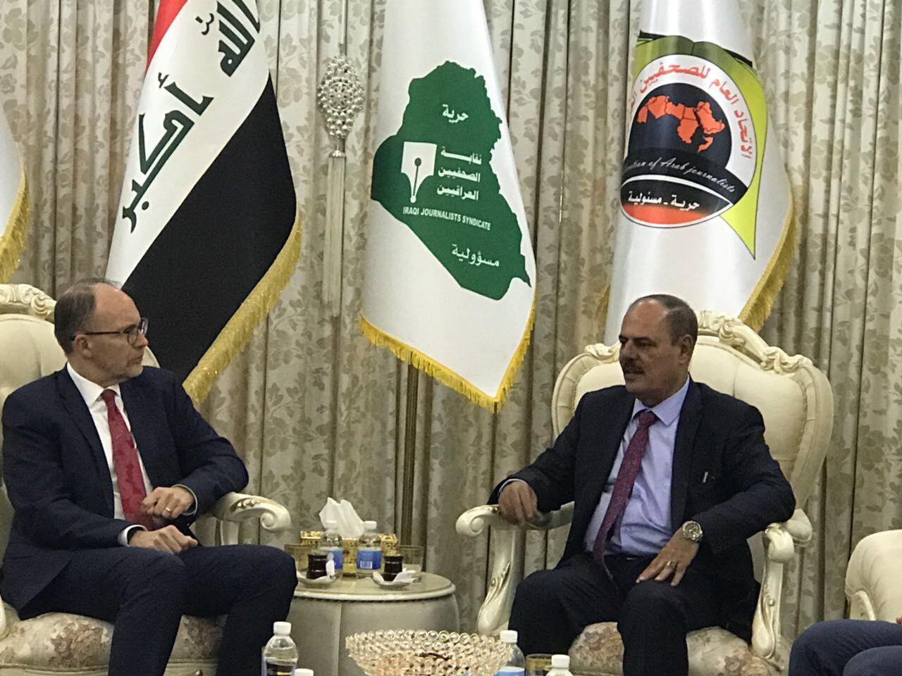 السفير الأمريكي في العراق يؤكد ضرورة المشاركة في الانتخابات المقبلة