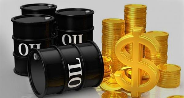 النفط يهبط لارتفاع مفاجئ في المخزون الامريكي