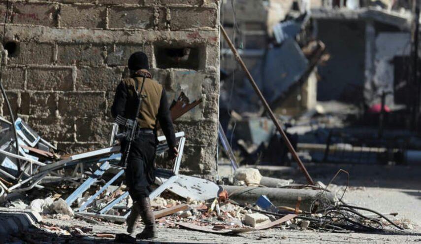 الدفاع الروسية: 988 مسلحا وعائلاتهم خرجوا من عربين إلى إدلب السبت