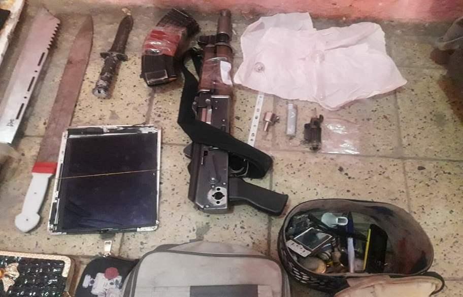 القبض على متهم يحوز ادوات تعاطي مخدرات وحقائب نسائية في البصرة