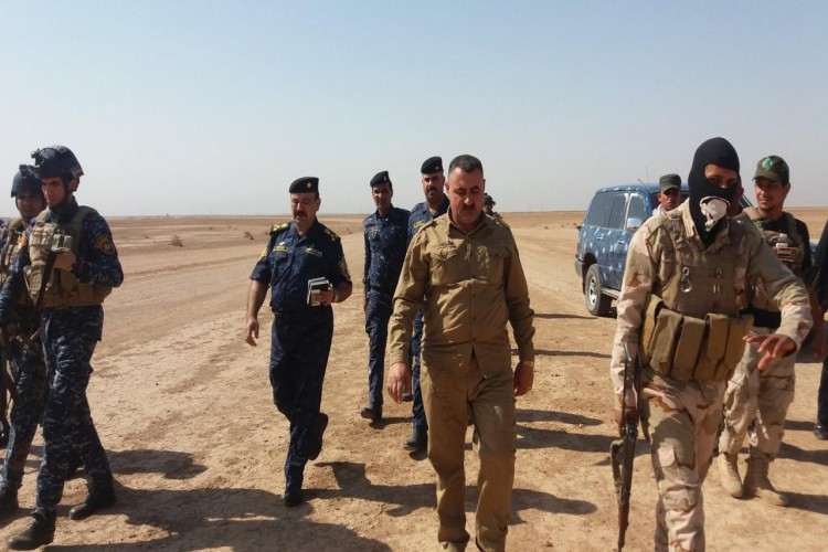 الحشد الشعبي ينفذ عملية دهم وتفتيش في القرى الحدودية مع سوريا