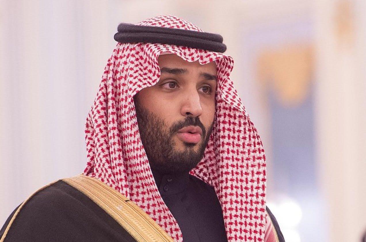 """بن سلمان يتعهد بالقضاء الكامل على فكر """"الإخوان"""" في المدارس"""