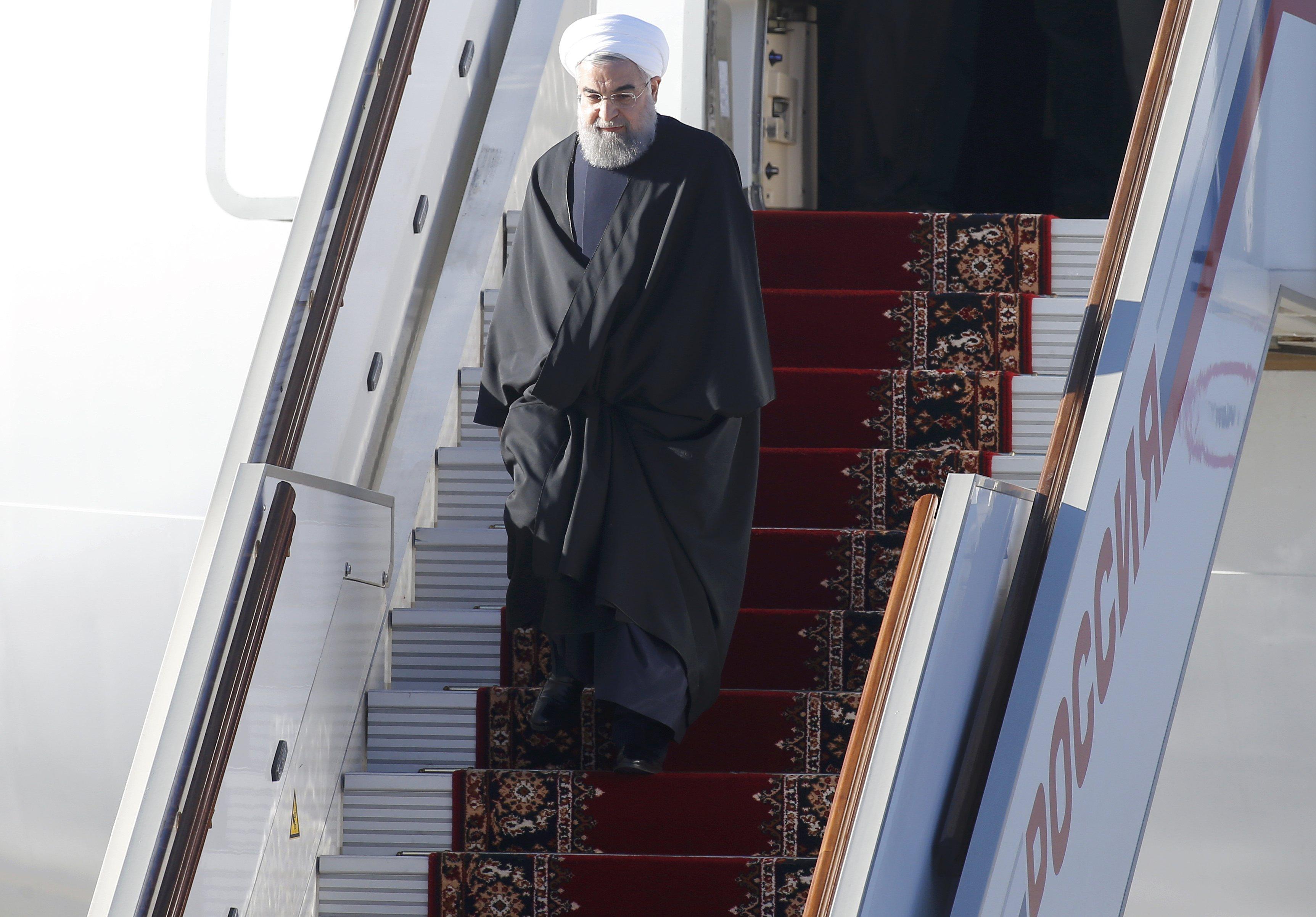الرئيس الايراني يصل الى انقرة