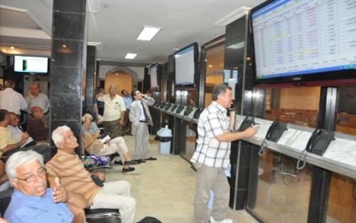 سوق الأوراق المالية يبحث إمكانية الاستفادة من خبرات البورصات العربية