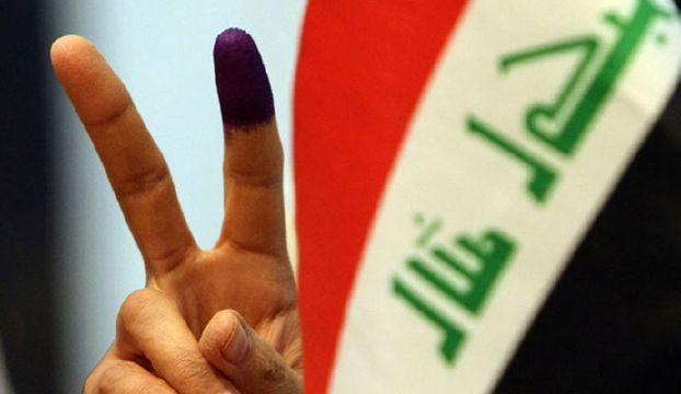 بالصورة.. أول ناخب عراقي يدلي بصوته في الانتخابات النيابية