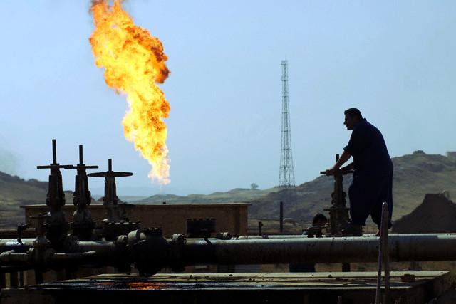 اسعار النفط تتخطى الـ 80 دولارا لأول مرة منذ أربعة أعوام