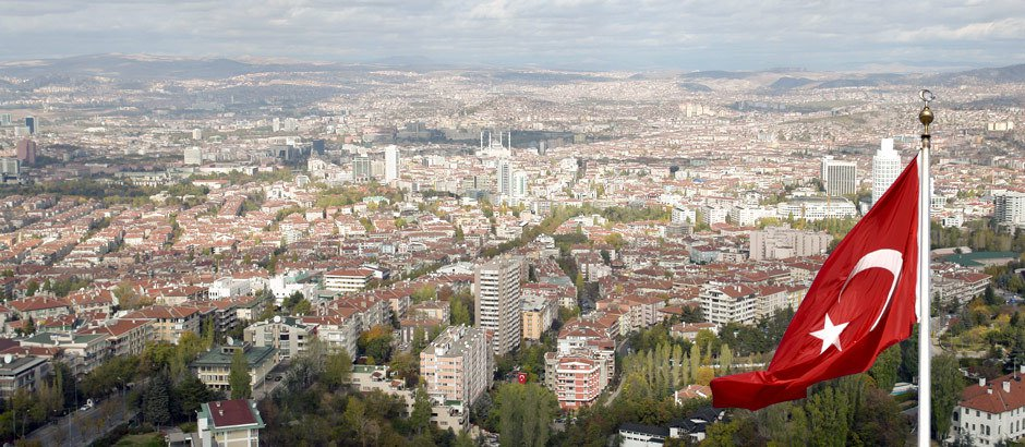 وفد حكومي كبير يصل الى أنقرة