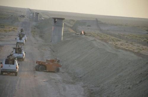 العراق يباشر بنصب المخافر الحدودية مع سوريا