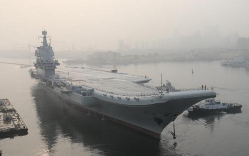 الصين تُدشن أول حاملة طائرات محلية الصنع