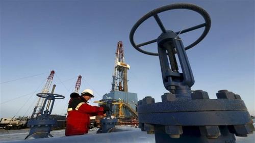 النفط يسجل أعلى مستوى له منذ سنوات