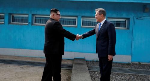 الكوريتان تعقدان غداً محادثات رفيعة المستوى لنزع السلاح النووي والوحدة