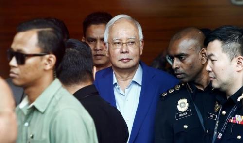 ماليزيا.. التحقيق مع رئيس الوزراء السابق بخطوة نادرة في تاريخ البلاد