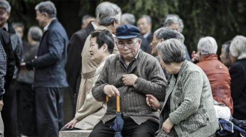 """الصين تطيح بأمريكا من عرش """"طول العمر"""" لأول مرة"""