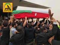 بالصور … قادة الحشد الشعبي يستقبلون جثمان الخاقاني في مطار النجف الاشرف