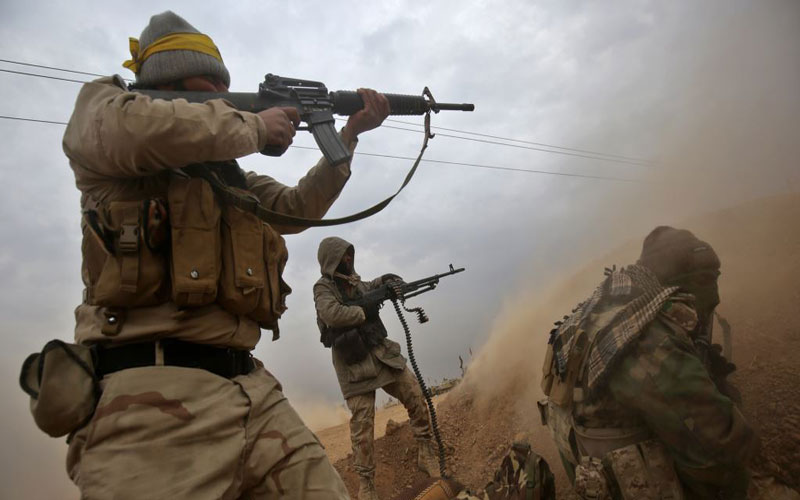 """الحشد الشعبي يحبط هجوما إرهابيا جنوب سامراء ويكبد """"داعش"""" خسائر"""