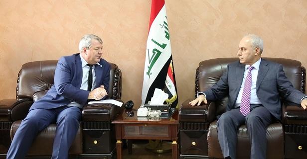 وزير التخطيط  العراقي يلتقي ممثل مكتب اليونيسيف في العراق ويبحث معه البرامج التي تنفذها المنظمة في العراق