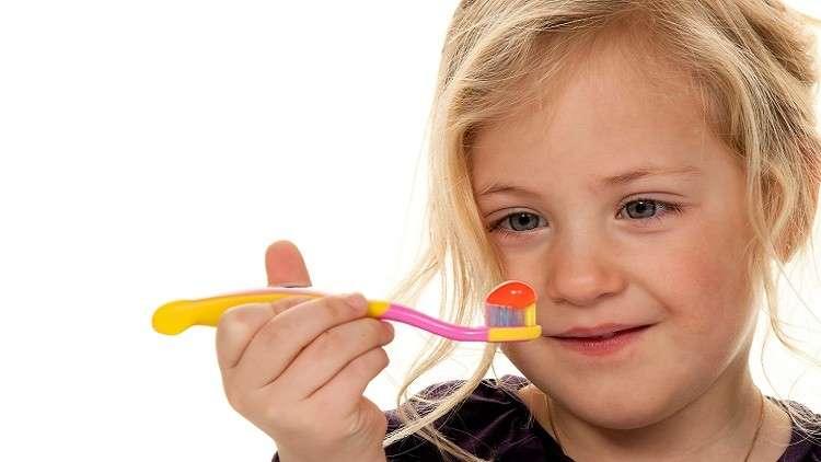 علماء يبتكرون مواد طبيعية ترمم الأسنان!