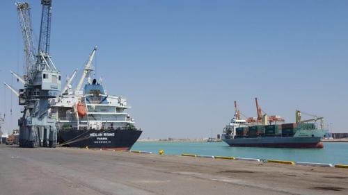 تسع بواخر ترسو في ميناء أم قصر واحدة محملة بـ 50 الف طن من الحنطة