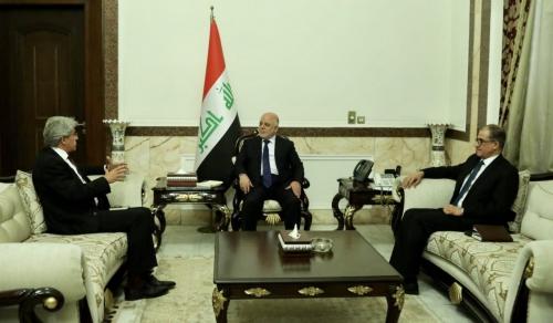 العبادي يبحث مع السفير الفرنسي دعم عملية إعمار وبناء العراق