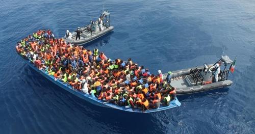 إيطاليا تبدأ خطتها بطرد نصف مليون لاجئ