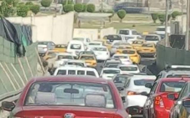 اعمال صيانة وحادث سير يتسببان بزخم مروري على جسري الطابقين والجادرية